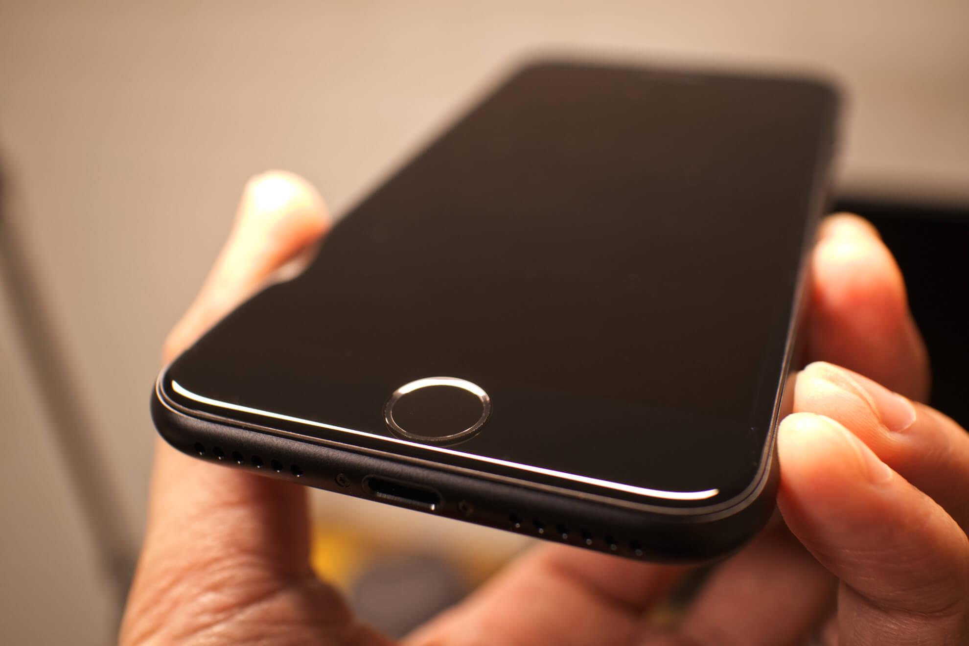 iPhoneSEホームボタン